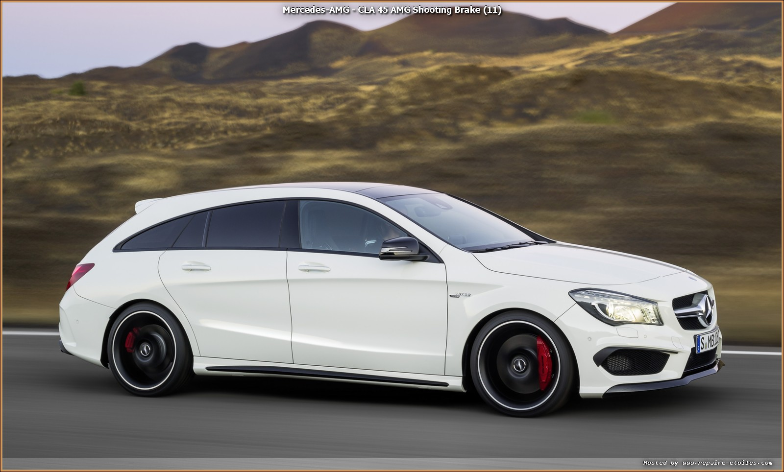 cla 45 amg shooting brake d clinaison amg performance. Black Bedroom Furniture Sets. Home Design Ideas